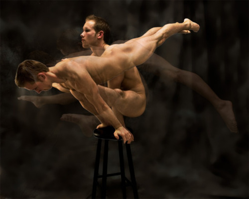 Мужчины голые гимнасты фото